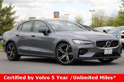 Pre-Owned 2019 Volvo S60 T5 R-Design With Navigation