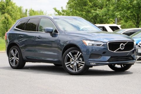 Pre-Owned 2018 Volvo XC60 T5 Momentum With Navigation & AWD
