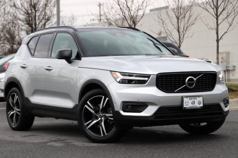 Pre-Owned 2019 Volvo XC40 R-Design With Navigation & AWD